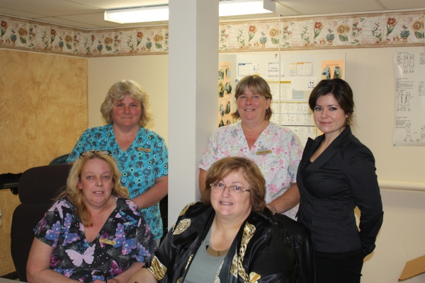 Members of the Carleton Kirk bargaining group recently signed a new collective agreement.